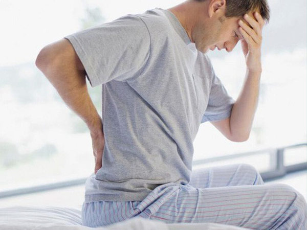 Bệnh nhân đau lưng vì trượt đốt sống thắt lưng L4, L5